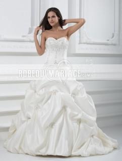 Robe de mariée classique bustier sans bretelle broderie décolletée en coeur