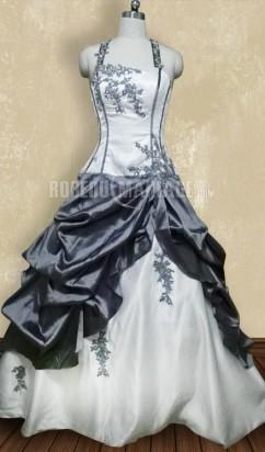 cccbb76c415 Photo sans retouche Bretelles au cou robe de mariée sur mesure en taffetas