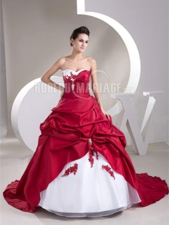 Robe de mariée en couleur sans bretelle col en coeur à traîne courte