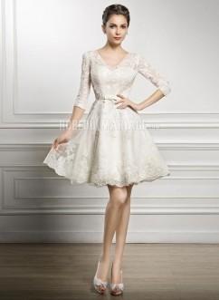 Col en V robe de mariée courte manches mi,longue en dentelle pas cher