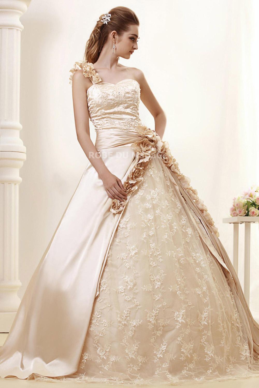 Robe de mariage > Robe de mariée romantique > Une bretelle robe de ...