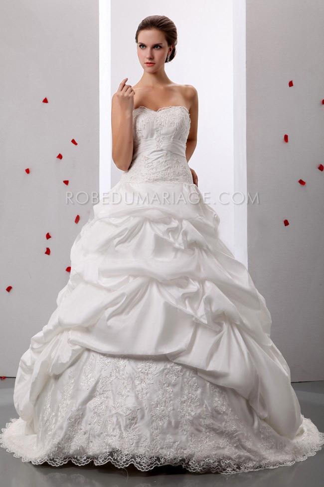 Robe de mariée princesse bouffante satin