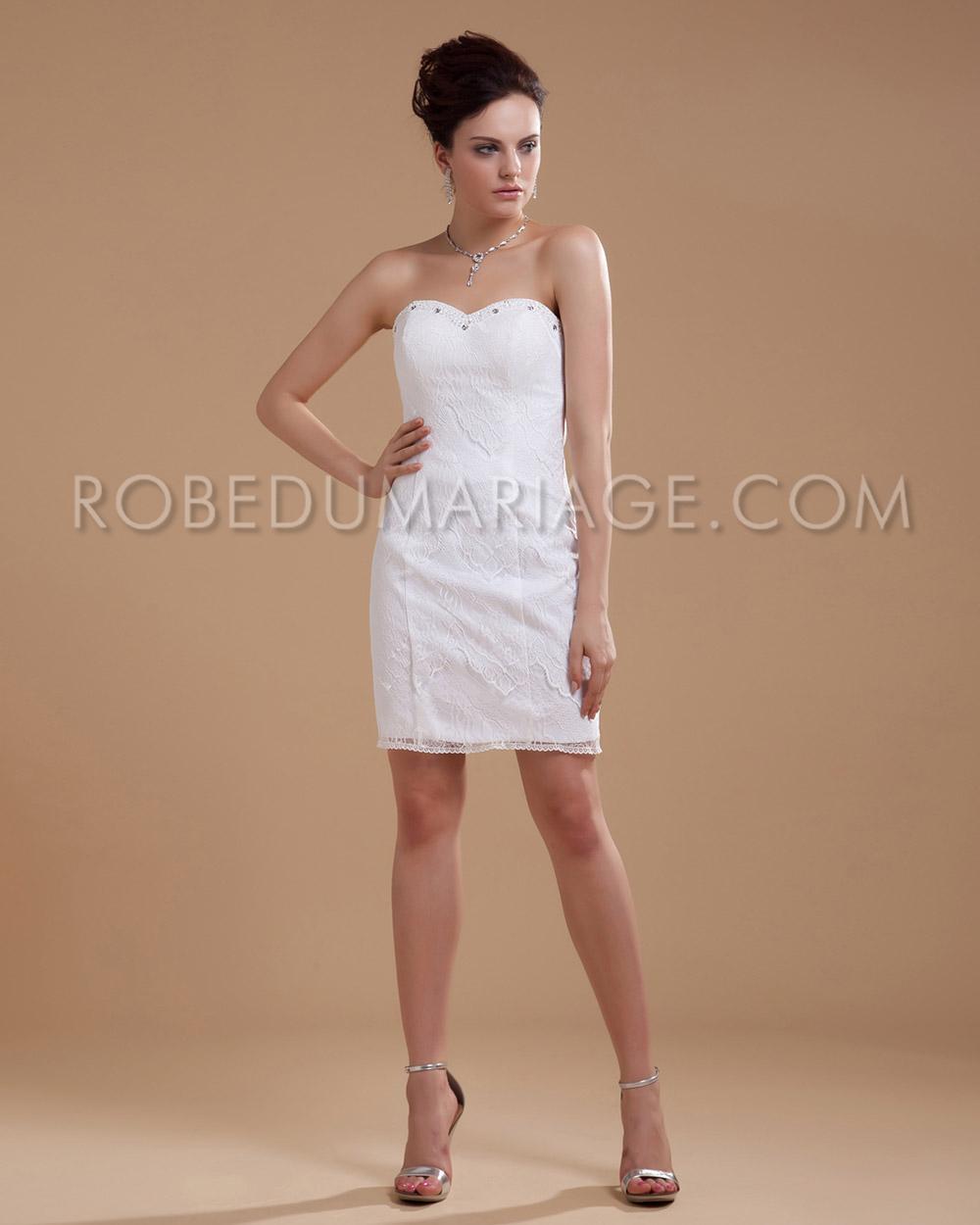 robe de mariage moulante en dentelle col en coeur courte robe206439. Black Bedroom Furniture Sets. Home Design Ideas
