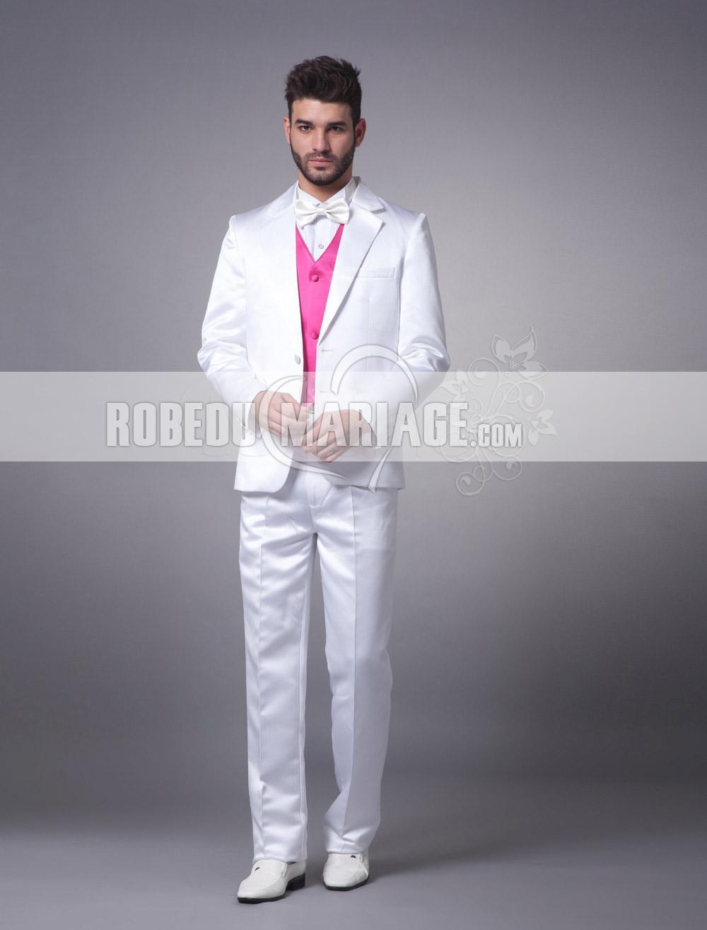 Costume de mariage de style classique avec 4 pièces à prix bas ... d3cf37c7213