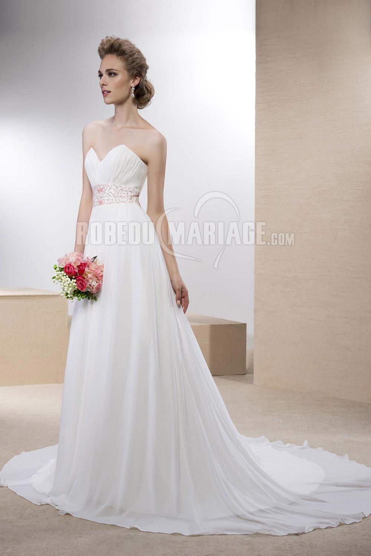 Col en coeur robe de mariée simple en chiffon avec perles ceinture