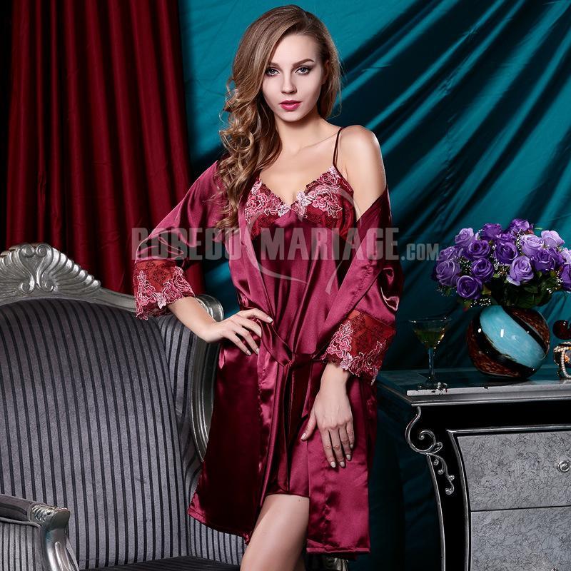Sexy vêtement de nuit femme en soie d'été avec broderies pas cher