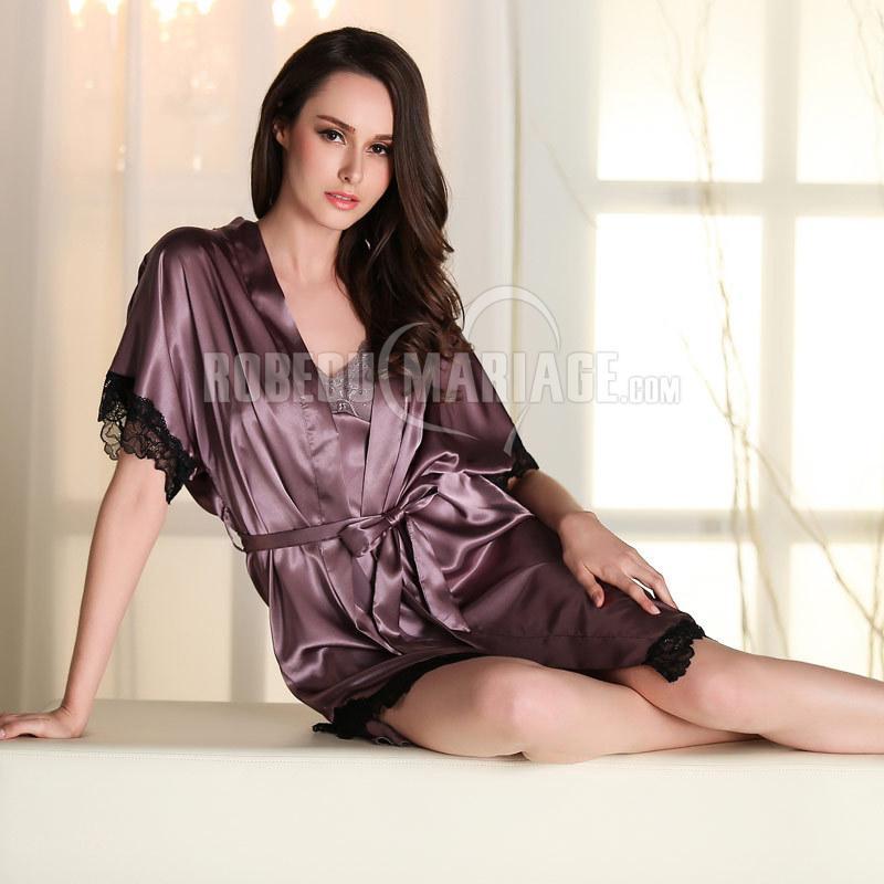 Vêtement de nuit femme d'été en soie avec un peu dentelle pas cher