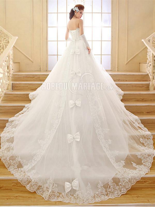 Col en coeur robe de mariée princesse bustier