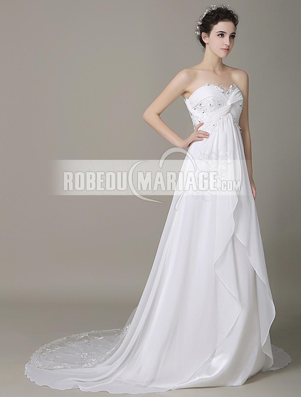 Robedumariage FR Laçage au dos robe de mariée en satin avec col en cœur orné d'appliques