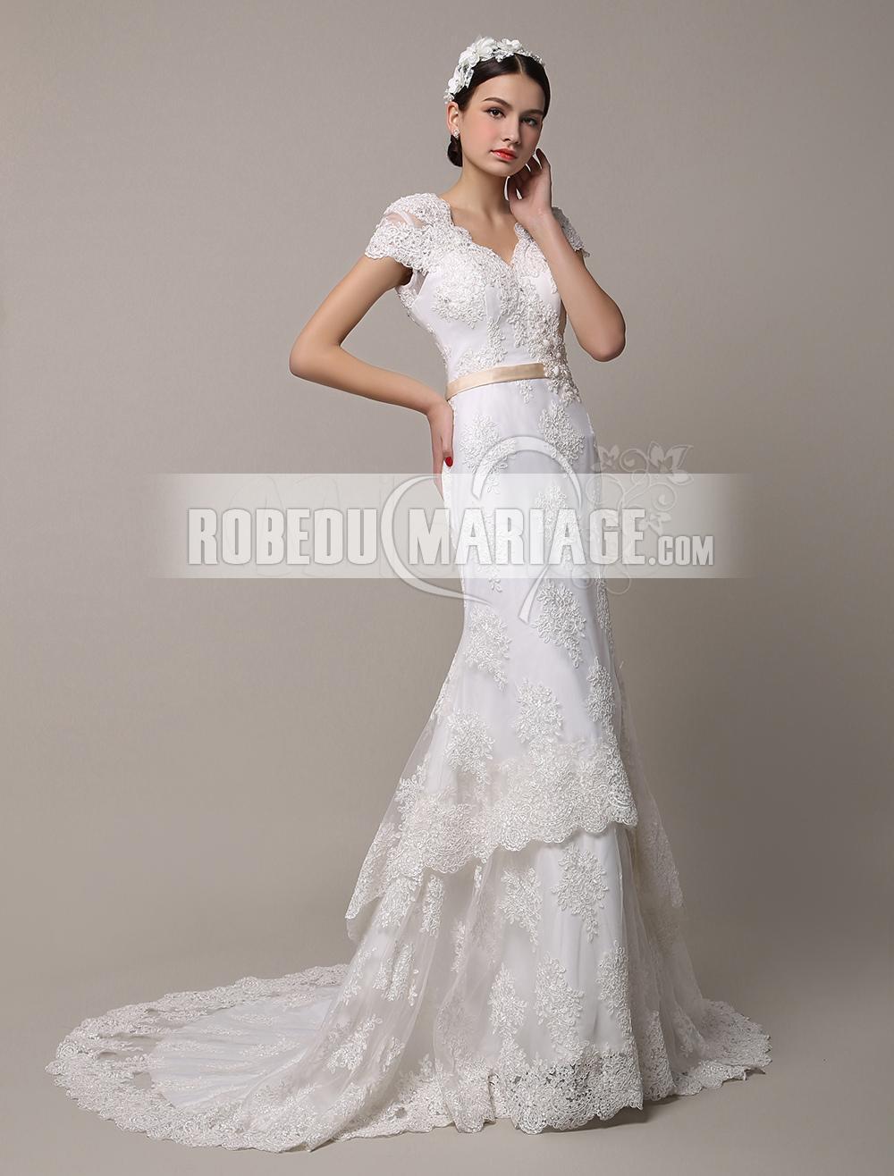 A-ligne robe de mariée col en V tulle applique manches courtes